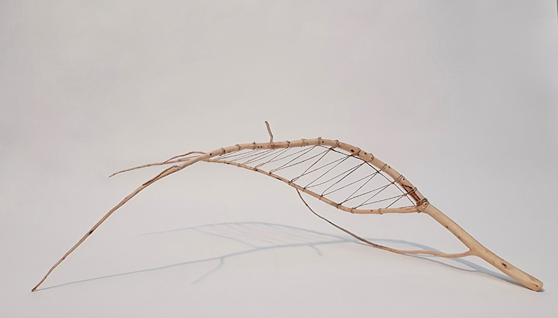2018_wood_and_string_25cm_high